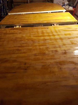 bord slipat innan fernissa