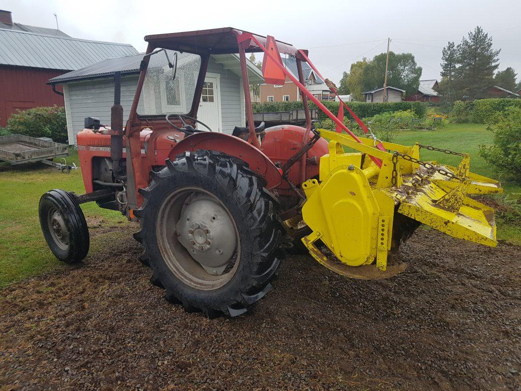 Traktor och fräs