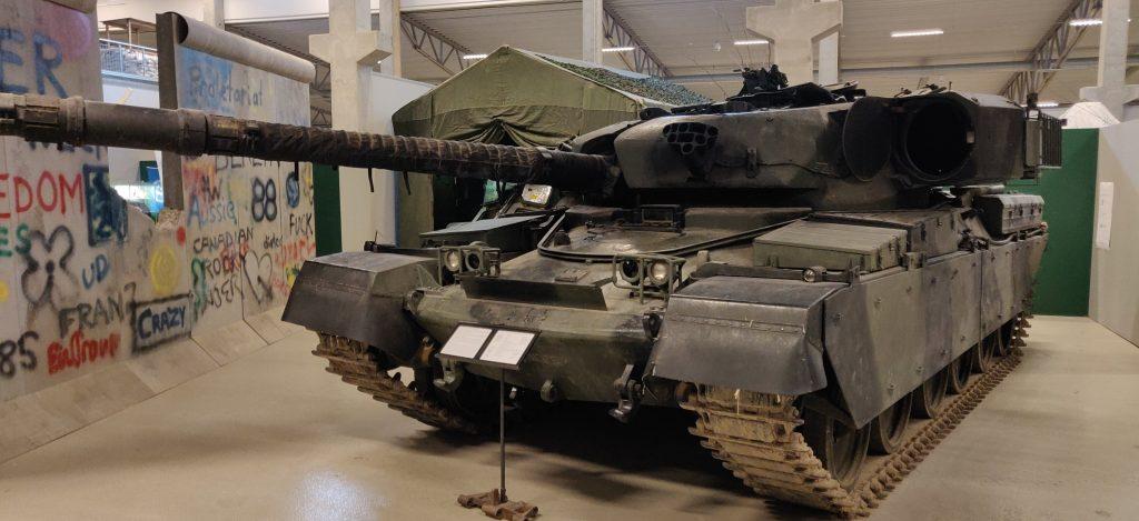 Chieftain Mk 10 eller FV 4201